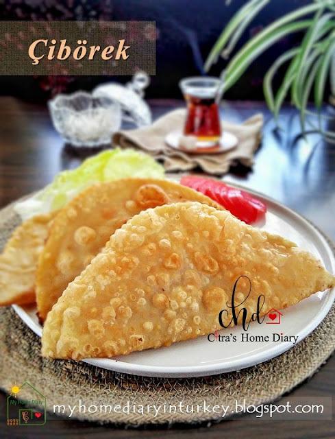 (Çiğ) Çibörek / Turkish food recipe; mincemeat stuffed fried meat turnover   Çitra's Home Diary. #çibörektarifi #turkishfoodrecipe #turkishfoodphotography #turkishcuisine #turnoverecipe #resepmasakanturki #friedpastry