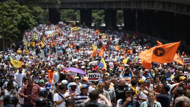 Constituyente acentúa división en el país al ser rechazado formalmente por la oposición