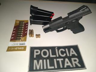 ESPOSA DO TAMBORILENSE ASSASSINADO EM MONSENHOR TABOSA ENTREGOU ARMA E MUNIÇÕES PARA A POLÍCIA CIVIL