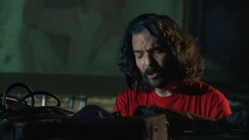 Santiago Feliú - ¨Marionetas de Cupido¨ - Videoclip - Dirección: Lester Hamlet. Portal Del Vídeo Clip Cubano - 04