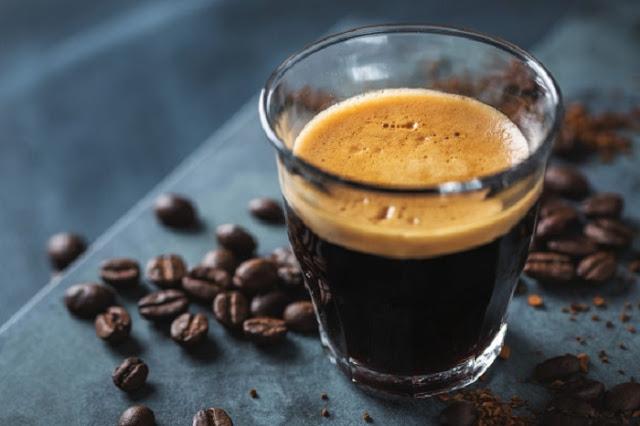 Gambar kopi dalam gelas