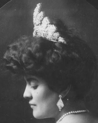 diamond floral tiara hawaii princess abigail campbell Kawānanakoa