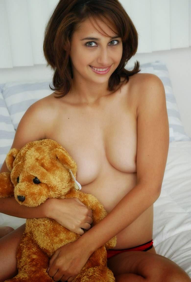 Brazilian nude teen twerk
