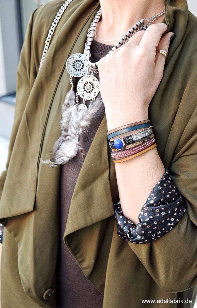Kette in Silber mit Federn, Armband Leder bunt mit Stein, Statement Schmuck