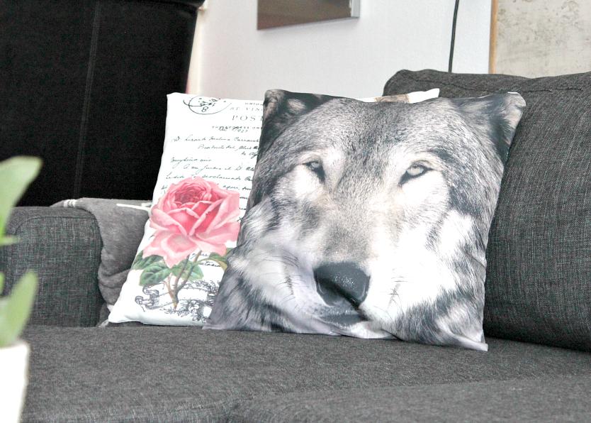 poduszka w wilkiem