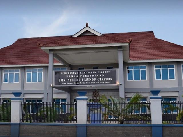 Siswa SMKN 1 Mundu Cirebon Raih  Juara I Bidang Lomba Vokasi Moda Literasi Bergerak