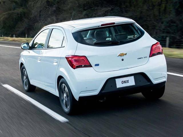 Novo Chevrolet Onix 2017 - traseira