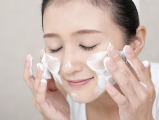 Ini 5 Bahan Alami Pembersih Wajah Sebagai Pengganti Sabun Cuci Muka