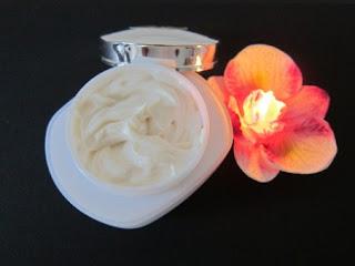 gambar Rekomendasi cream untuk atasi bekas jerawat membandel