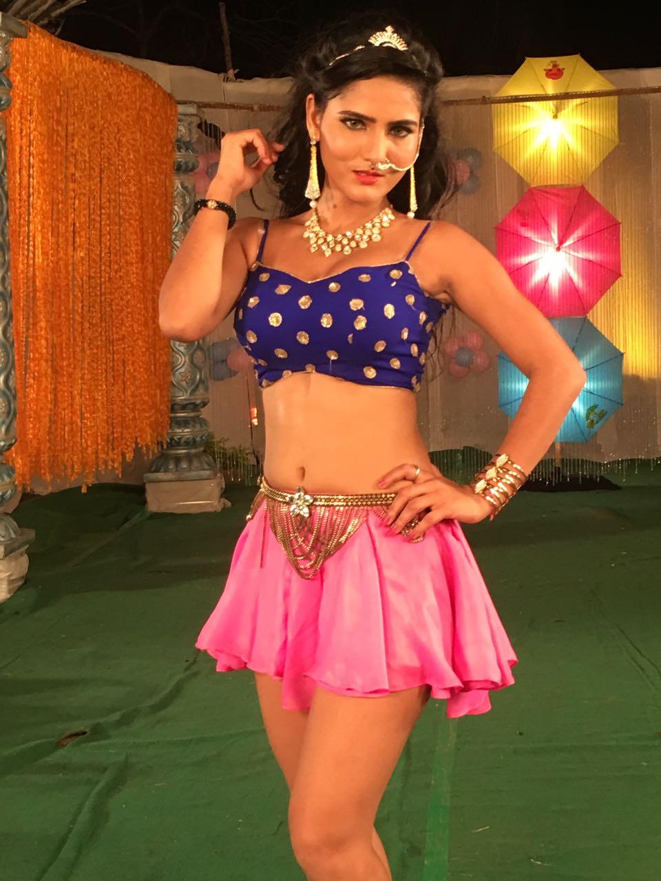 Sunny Leone Bhojpuri Sexy