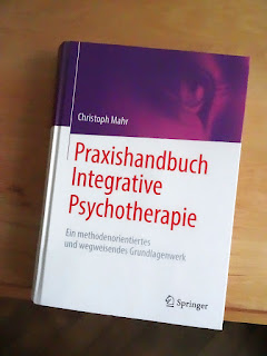 https://www.amazon.de/Praxishandbuch-Integrative-Psychotherapie-methodenorientiertes-Grundlagenwerk/dp/3658205172/ref=sr_1_1?__mk_de_DE=%C3%85M%C3%85%C5%BD%C3%95%C3%91&keywords=mahr+praxishandbuch&qid=1557834346&s=gateway&sr=8-1-spell