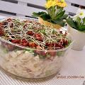 Wiosenna sałatka ziemniaczana z chrupiącym boczkiem