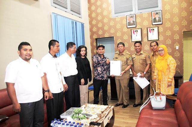 KPU Serahkan Dokumen Anggota DPRD Terpilih ke Pemko Siantar