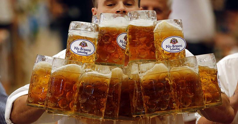 Δηλητηριάστικε από Αλκοόλ και οι Γιατροί του Έδωσαν 5 Λίτρα Μπύρα