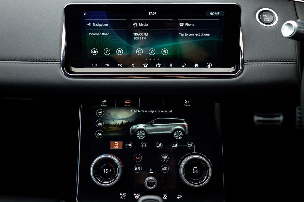 Range Rover Evoque 2020 ra mắt tại Malaysia sau 8 tháng có mặt ở VN