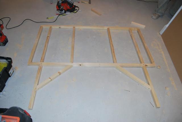 faire soi m me une t te de lit le chantier de ben and chachou. Black Bedroom Furniture Sets. Home Design Ideas
