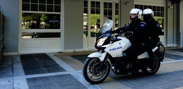 Σύλληψη 26χρονου με την κατηγορία της διασποράς κορονοϊού - Έφτυσε αστυνομικούς.Σε καραντίνα μπήκαν 14 αστυνομικοί,