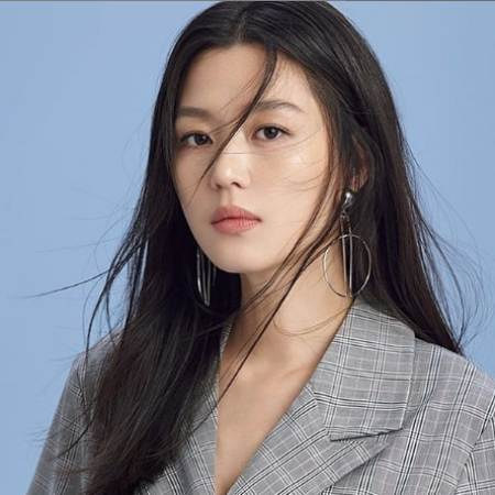 Top 10 Most Beautiful and Famous South Korean Actresses