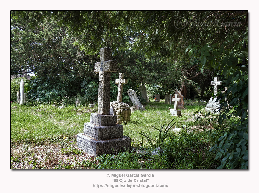 Hayling Island.- Iglesia y Camposanto de St. Mary.