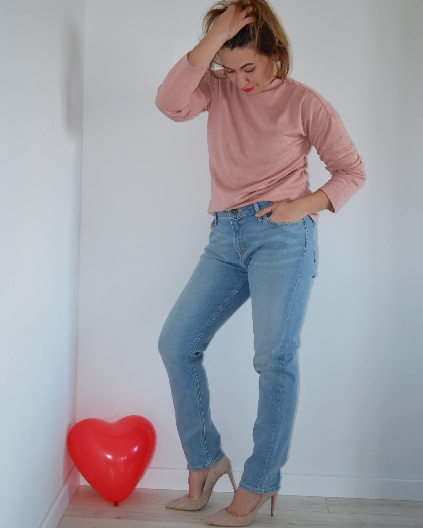 dzianinowe swetry Bonprix;jedwab;bawełna;fashion;moda;zamszowe szpilki Reserved;wiosenna stylizacja;blogerka modowa Wrocław;40+;40 plus fashion;40 plus styl;jeansy lee;stylizacja;