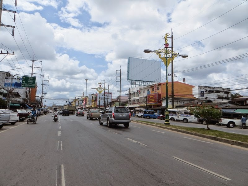 Главная улица Накхонситхаммарат