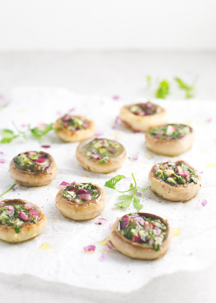 Stuffed mushrooms | These stuffed mushrooms are a very colourful, simple and rich starter. You can change the ingredients of the filling to your liking.