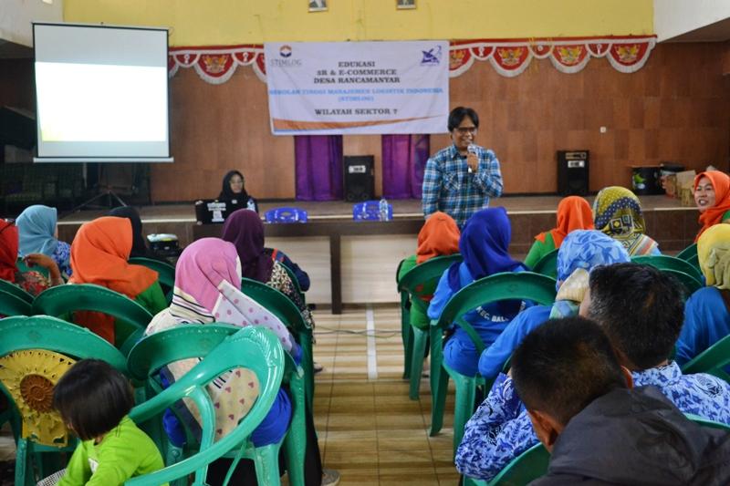 Stimlog Lakukan Edukasi 3R dan e-Commerce Bagi Pelaku UKM Desa Rancamanyar