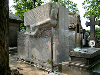 The tomb of Oscar Wilde