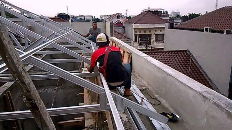 Tukang Rangka Atap Baja Ringan Berpengalaman