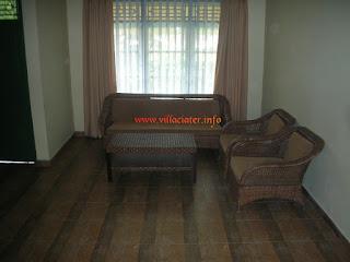 ruang tengah villa ciater