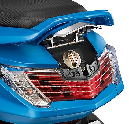 Honda Activa 3g Vs Hero Maestro Edge Comparison Review