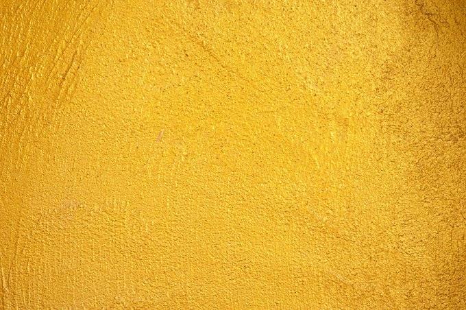 ¿Es bueno bañarse con partículas de oro en Fin de Año para atraer la suerte? (todos los signos)