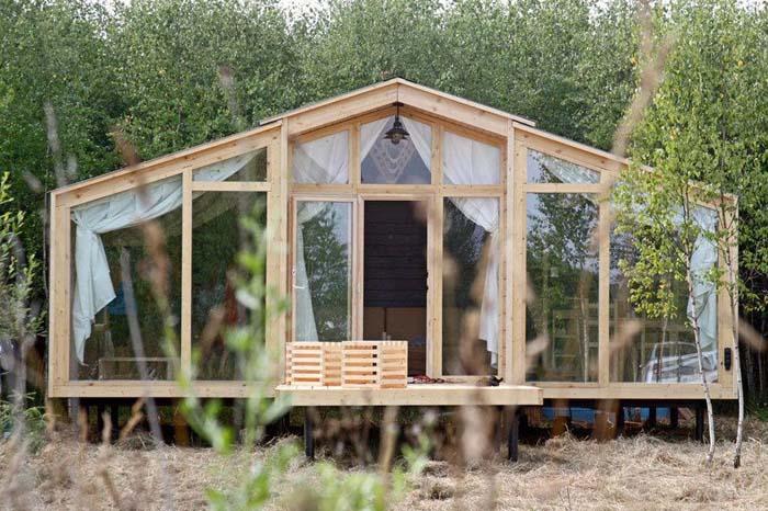 9 summer house ideas under 30k poppytalk for Build a home for 20k