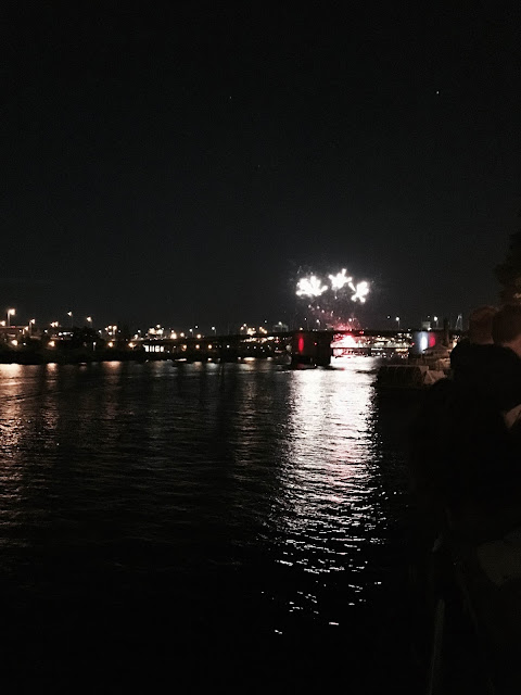 Fireworks at Portland, Oregon's waterfront | A Hoppy Medium