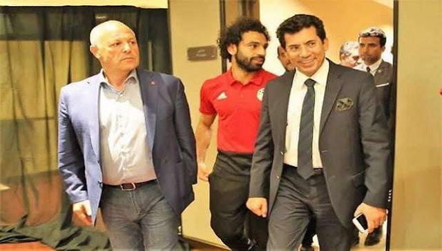 عاجل اجتماع وزير الشباب مع لاعبي المنتخب وتخفيف عقوبة عمرو وردة
