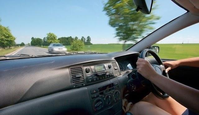 वाह SDM साहब! लॉकडाउन में सरकारी गाड़ी से ड्राइविंग सीख रहीं SDM की पत्नी!