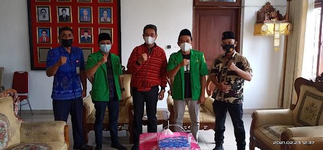 Ketua DPRD BULELENG Menerima Kunjungan Perwakilan PC GP ANSOR & BANSER BULELENG