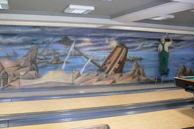Artystyczne malowanie ściany w kręgielni, Jak zaaranżować kręgielnię