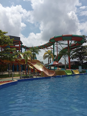 wahana waterboom pesona modern