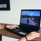 Trik Supaya Nyaman Bermain Game PC di Laptop Harga Murah