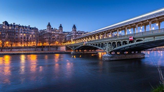 ما هو سعر فيزا شنغن فرنسا للعمل و السياحة