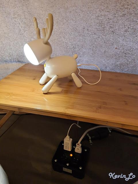 拉波波村營區麋鹿造型的床頭燈