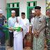 Nek Ruhani Terima Rumah BMU-WPU 047 Hasil Donasi Majelis Pengajian Tastafi Asuhan Tu Sop Dan Jamaah umrah Yadara Tour & Travel