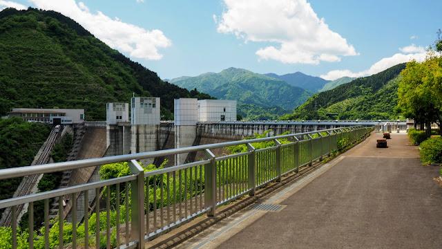 橋本駅から小倉橋で相模川を渡って宮ヶ瀬湖へ。七沢温泉へ下って日向薬師~大山と周り金目川サイクリングコースを通って大磯まで走るサイクリングコース