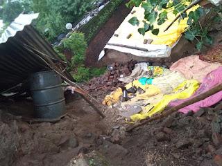 तेज बारिश के कारण पहाड़ की करवट में बना मकान गिरा