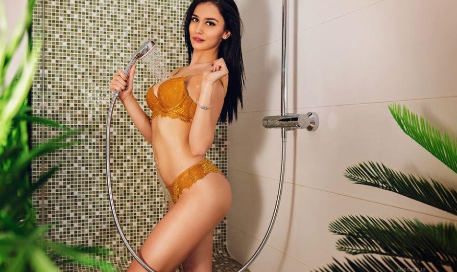 AlissaWells Model GlamourCams