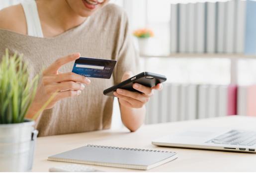 Transferring money with smartphone