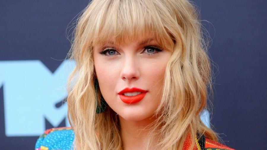 Novo álbum de Taylor Swift estreia no topo da parada britânica
