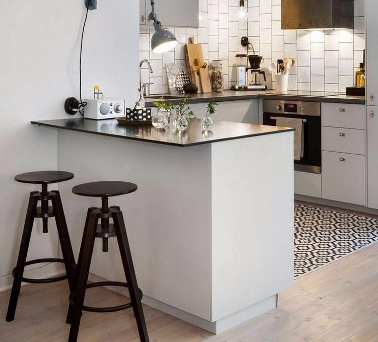 Desain dapur kecil dan meja makan mini-bar