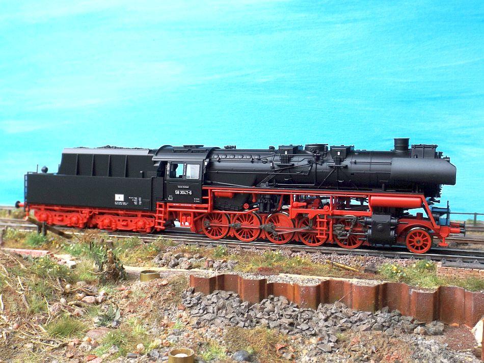 für ROCO DR Diesellok BR 110 Spur H0 1:87 NEU Ersatz-Führerstand resedagrün z.B